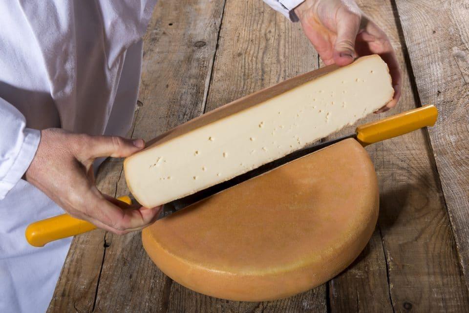 Originalité et Gourmandise avec le nouveau Fromage pour Raclette au chèvre Pochat & fils