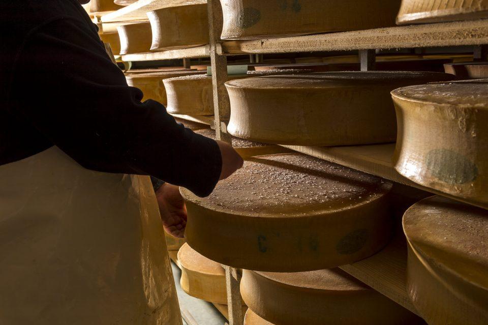 Affinage Beaufort fromage Pochat et fils
